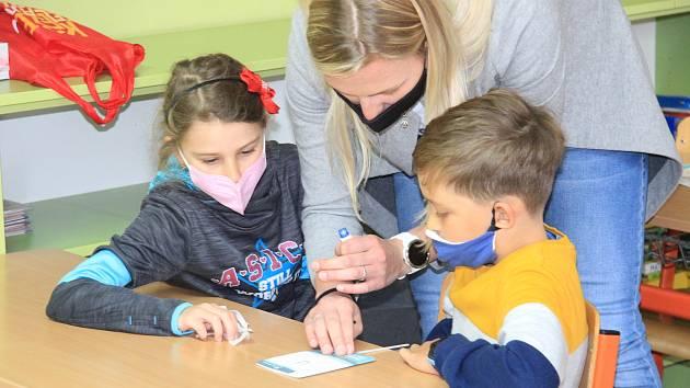 Testování školáků v ZŠ Vodňanská v Prachaticích