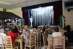 Po dlouhých letech se ve Volarech našla parta lidí, kteří začali hrát divadlo. Jako první sáhli kpohádce Líný Kuba holé neštěstí.