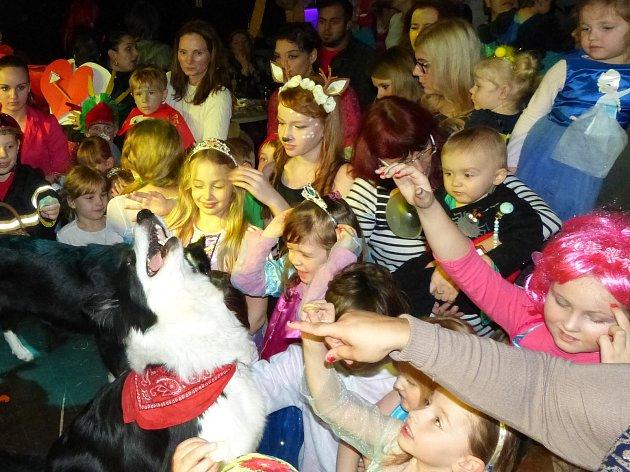 Dětské karnevalové veselí v Music clubu Kandlák v Prachaticích.
