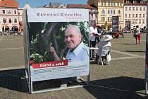 Miroslav Bojanovský se dostal na plakáty Národní kroniky díky Karlu Rabenhauptovi, jednomu ze tří fotografů, které výstavu připravovali.