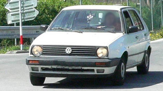 Mladík řídil osobní automobil Audi A3 i přes zákaz soudu. Ilustrační foto.