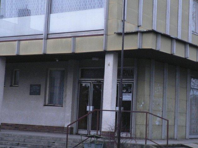 Město by se rádo kulturního domu v Netolicích zbavilo.