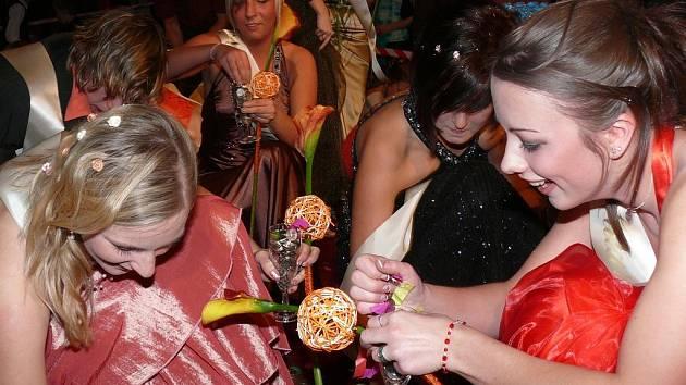 Plesová sezona v Prachaticích odstartovala maturistním plesem 4.C SPgŠ