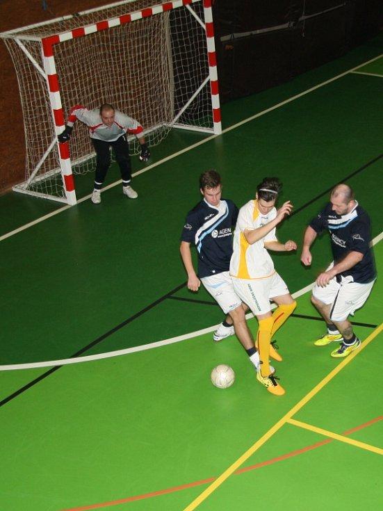 V sobotu 17. ledna se ve sportovní hale v Prachaticích odehrály zápasy krajského finále Českého poháru futsal sálové kopané.