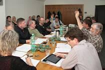 Pouze dva volarští zastupitelé zvedli v pondělí ruku pro finanční podporu Klubu českého pohraničí. Celkem místním spolkům z rozpočtu rozdělili více než 250 tisíc.
