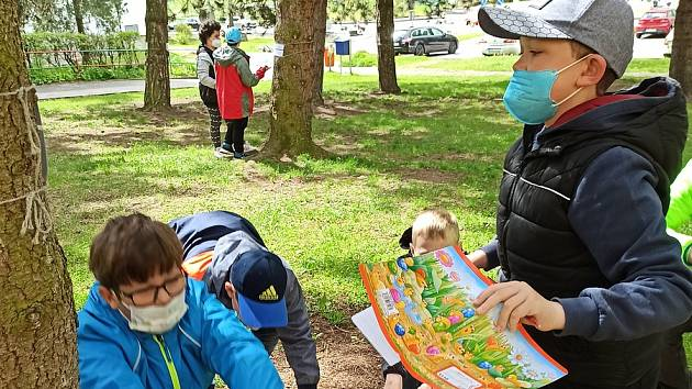 Akci Cvičíme a hádáme využívají rádi hlavně děti ze ZŠ Smetanova při tělocviku a také veřejnost.