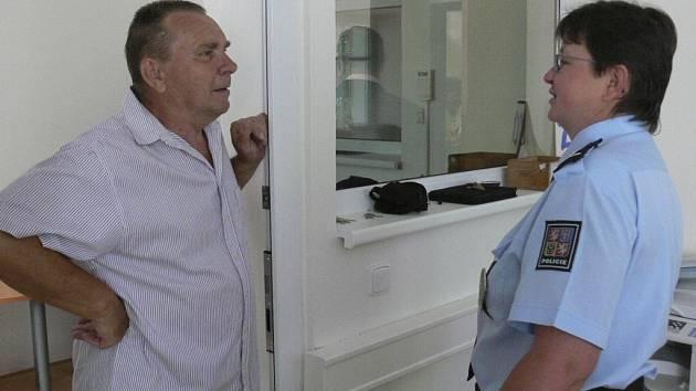 Ve Volarech otevřeli zcela zrekonstruované obvodní oddělení Policie ČR.