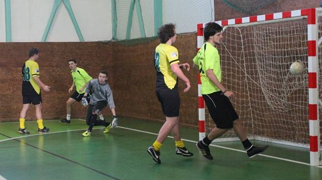 Prachatická liga sálovky hrála semifinále play off.