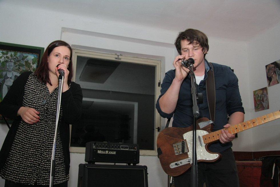 Páteční koncert v Kralově vile v Prachaticích. Na koncertě se představily čtyři kapely, mezi nimi i Kalle.
