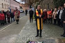 K 30. výročí sametové revoluce byla v neděli 17. listopadu slavnostně za přítomnosti řady osobností odhalena pamětní deska. Nachází se v prachatické Zahradní ulici a srdce z břečťanu.