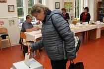 I když volební účast členy jednotlivých volebních komisí ve Vimperku mile překvapila, na rozdíl od komunálních voleb o ty krajské je přece jen mezi voliči menší zájem.