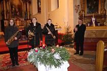 Volarský čtvrtý adventní koncert patřil saxofonovému triu dam Kateřině Pavlíkové, Magdaléně Probstové a Anně Kurzové.