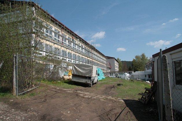 Zateplení a výměna oken v Základní škole Smetanova ve Vimperku je největší investiční akcí v letošním roce.