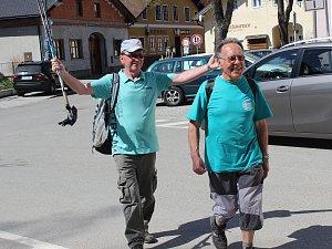 Už pátý ročník výšlapu přes Bobík do Bobíku mají za sebou zájemci, kteří využili slunečného sobotního počasí k výletu.