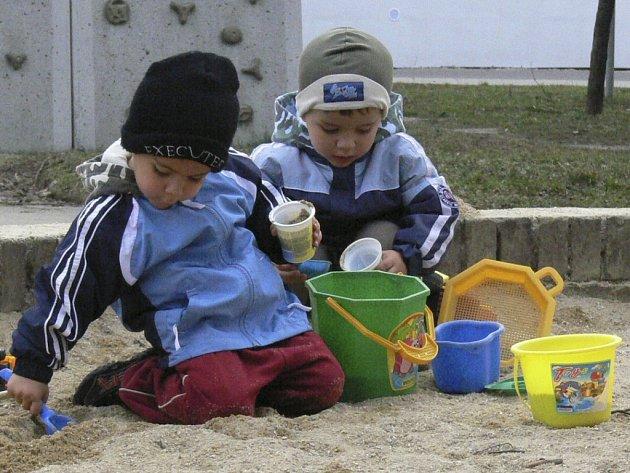 I volarské děti chtějí pískoviště