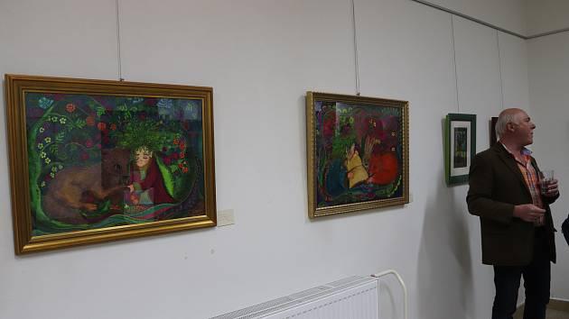 Volarská galerie zažila v pátek 29. března zajímavou vernisáž obrazů a moderního skla umělců z Bavorského města Santkt Oswald Riedel Hütte.