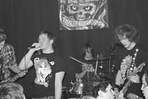 Záběr z doby, kdy se složení kapely opět pozměnilo. Zleva: Denis Princ, Matěj Bartoš, Kuba Dvořák a Bohumír Horák.