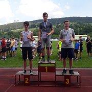 Žáci ZŠ ve Vodňanské ulici výborně reprezentovali. Na atletické olympiádě získali pět cenných kovů.