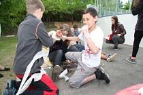 V Prachaticích se ve čtvrtek 14. května uskutečnilo okresní kolo soutěže mladých zdravotníků. Do krajského kola ve Strakonicích postoupila družstva z Vacova a Husince.