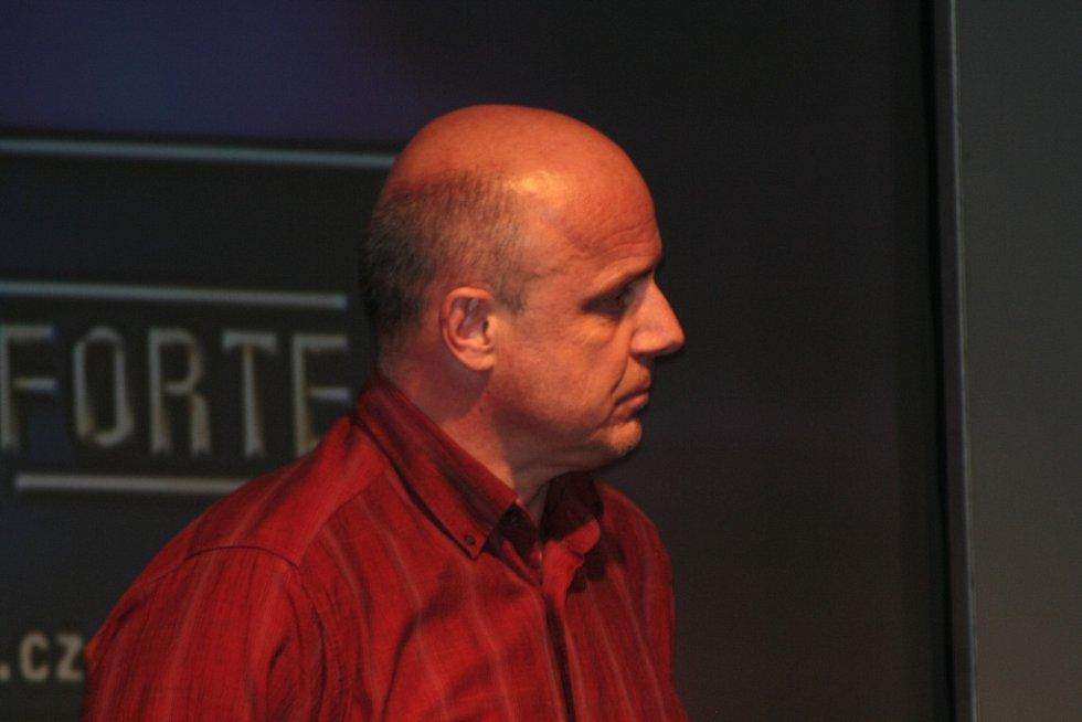 Na pódiu musel Jana Vastla při přebírání ceny za první místo v anketě Sportovec roku 2014 zastoupit Jiří Lutovský.