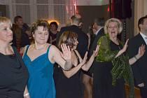 Každý ples je hlavně o tanci, toho si mohli návštěvníci školního plesu v pátek užít měrou vrchovatou.