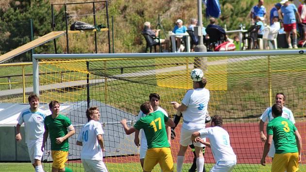 Fotbalisté Prachatic porazili soupeře z Bernartic vysoko 5:1.