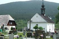 Hřbitov v Horní Vltavici.