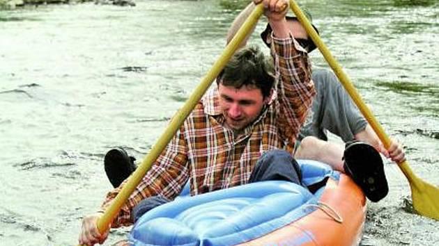 VODA BUDE VZÁCNÁ. Vodáky zajímá, kdy a za jakých podmínek smějí na vodu. Starosty i způsob, jakým se k výsledku došlo.