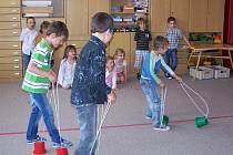 Předškoláci se ve Zdíkově loučili se školkou.