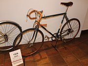 Historická kola vystavuje v Prachatickém muzeu Petr Hošťálek. K vidění budou celé prázdniny.