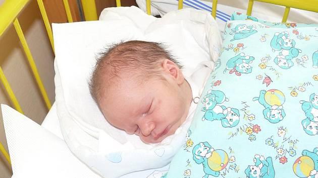 Michael Bžoch se narodil v prachatické porodnici 31. srpna 2011 ve 12.27 hodin. Chlapeček při narození vážil 3,40 kilogramu a měřil rovných půl metru. Rodiče Markéta a Daniel Bžochovi jsou z Prachatic. Doma čekaly sestřičky  Karolína a Daniela.