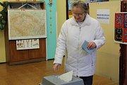 Prezidentské volby v ZŠ Národní v Prachaticích.