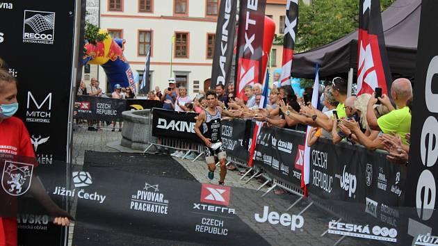 Francouz Arthur Serrieres bude útočit na třetí vítězství v XTERRA Czech v řadě.