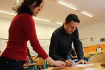 Dvanáct žáků devátých tříd usedlo při druhém kole přijímacích zkoušek do lavic prachatického gymnázia.