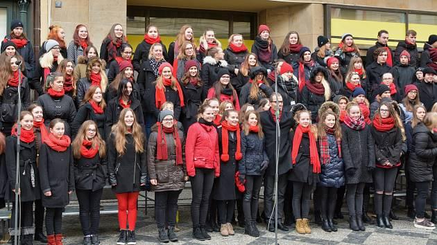 Vimperský gymnaziální sbor se zúčastnil prestižního festivalu středoškolských a akademických sborů Festa academica v Praze, kde vystoupil na dvou koncertech, mj. 17. listopadu na Národní třídě.