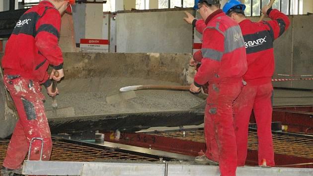 Otevření nové fabriky v bývalém areálu Jitony ve Vimperku.