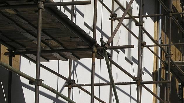 V květnu by mělo být dokončeno zařízení ve Vacově, kde bude dvacet bytů pro nové obyvatele. Ilustrační foto.