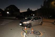 Auto na křižovatce Nemocniční a Vodňanské srazilo cyklistu.