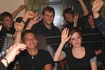 Jednohlasně dali členové orchestru najevo, že chtějí pokračovat společně.