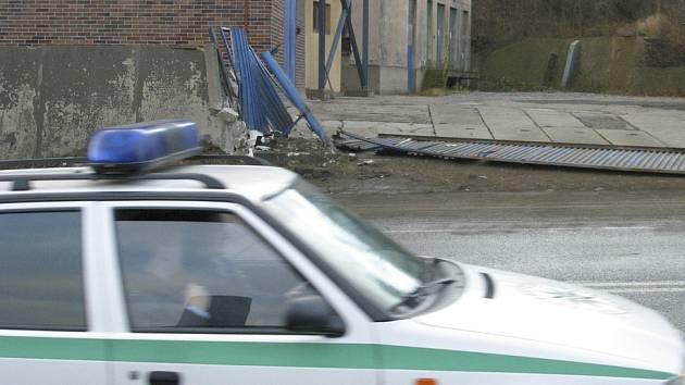 Hlídka městské policie našla na parkovišti v Pivovarské ulici zakrváceného muže. Ilustrační foto.
