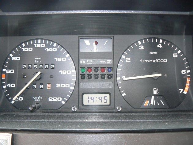 Vedení obce chce snížit rychlost na padesátku. Ilustrační foto.