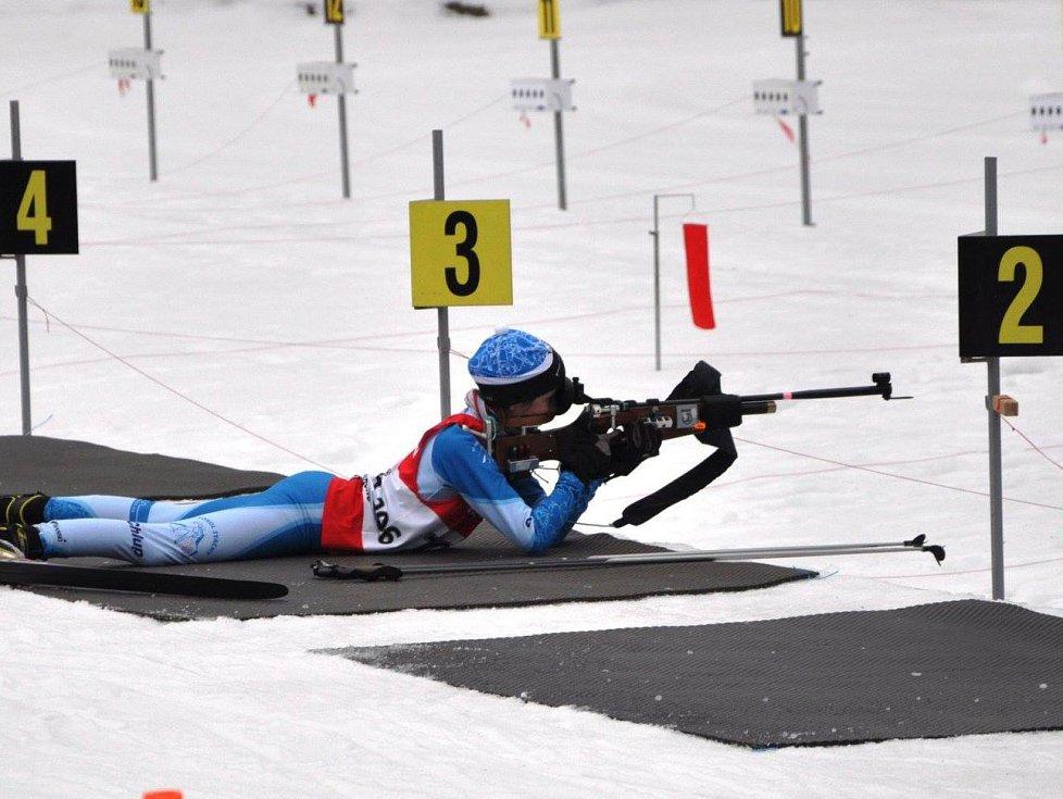 Biatlonisté v žákovských kategoriích měli na programu Český pohár v Jablonci. Nad všemi výkony závodníků ze Šumavy ční stříbro stašské Hanky Randákové v biatloncrossu.
