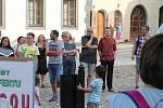 Demonstrace proti premiérovi a ministryni spravedlnosti v Prachaticích.