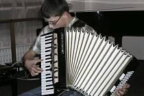 Na čtvrtečním koncertě vimperské ZUŠ 22. ledna se představili žáci oborů akordeon a klávesové nástroje.