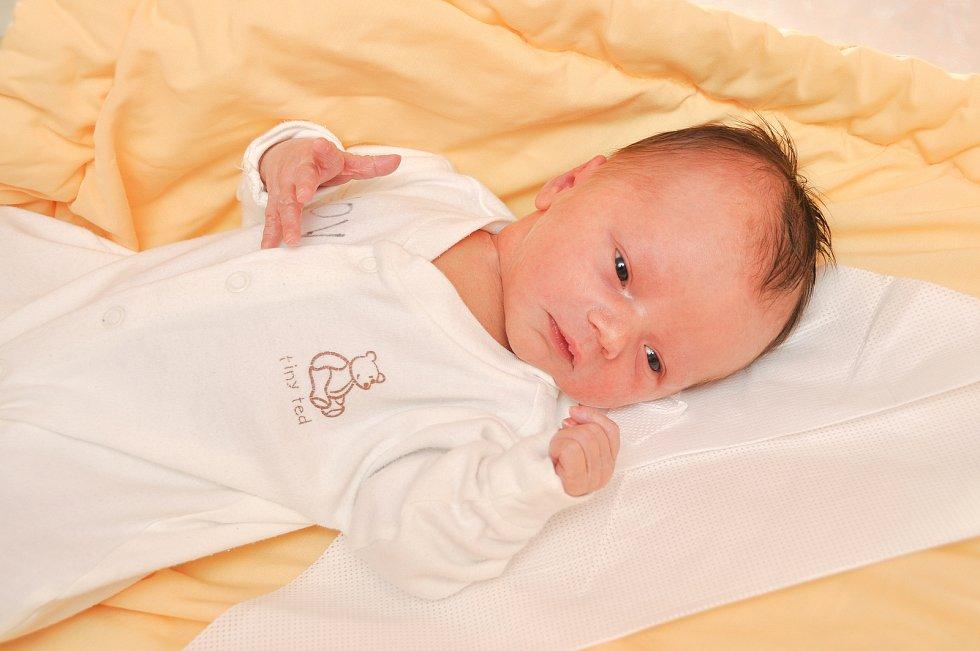 BARBORA VOLDŘICHOVÁ, VLKONICE. Narodila se v neděli 21. července v 7 hodin a 16 minut ve strakonické porodnici. Vážila 3440 gramů. Rodiče: Eliška a Jakub Voldřichovi.