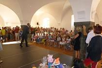 Začátek školního roku měl pro školáky a učitele ve Vlachově Březí slavnostní nádech.