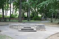 Místo po altánu ve Štěpánčině parku prázdné nezůstane.