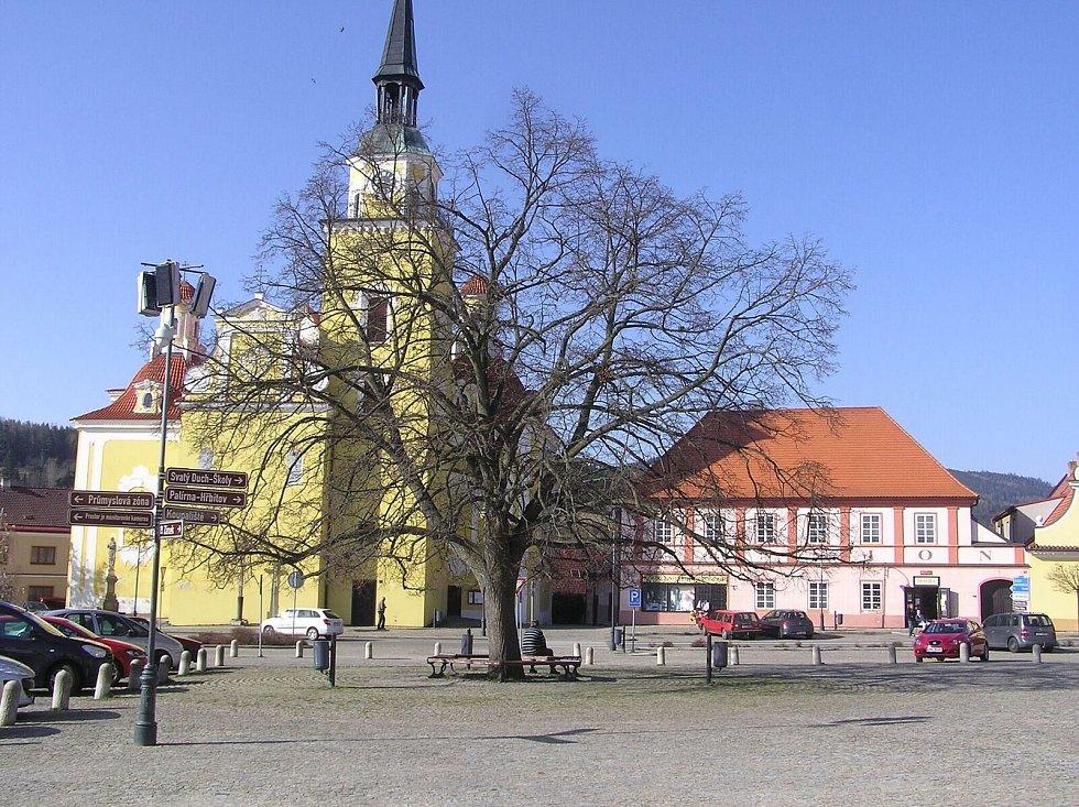 Lípa svobody ve Vlachově Březí se utká o titul Strom roku.