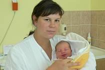 Zuzana Fiedlerová se v prachatické porodnici narodila v úterý 27. srpna v 19.35 hodin rodičům Vladimíře a Janovi z Vlachova Březí. Vážila 3420 gramů. Na malou Zuzanku se těší sestřička Kristýnka (2,5 roku).