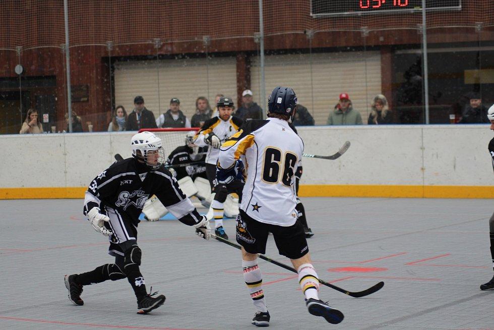 Hokejbalisté HBC Prachatice porazili Svítkov Stars Pardubice 5:2 a jsou ve čtvrtfinále play off.